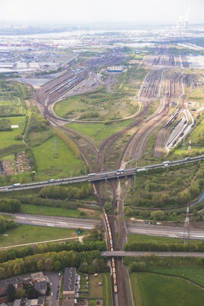 luchtfoto infrastructuur haven van antwerpen wegen spoor