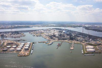 luchtfoto haven van antwerpen Van Cauwelaertsluis Boudewijnsluis