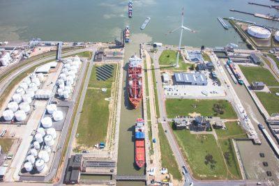 Van Cauwelaertsluis Boudewijnsluis antwerpse haven luchtfoto